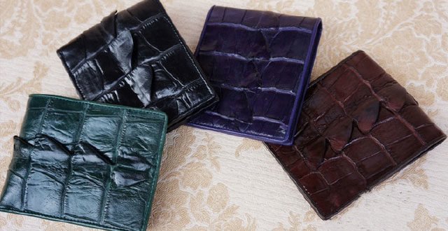 How to distinguish between the real crocodile leather and the fake one?